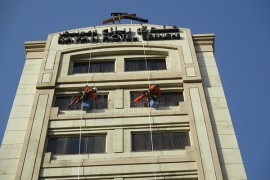 Rope Access Companies In Dubai Window Cleaning Painting Pressure Washing Green Smart Experts