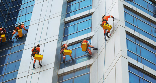 Rope access window cleaning companies in dubai, UAE   Facade Cleaning